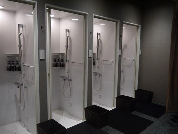 4基あるシャワールーム