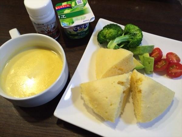 蒸しパンとコーンポタージュスープとメタバリアスリム