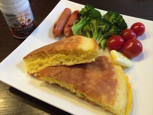 ホットケーキを中心とした朝食とメタバリアスリム