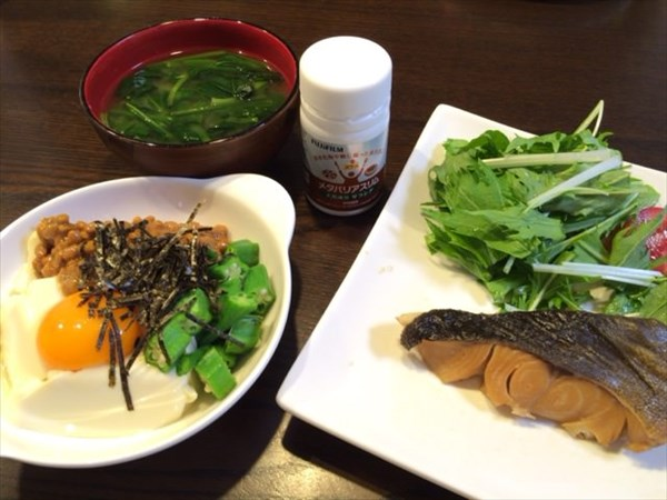 手造り豆腐のねばねば小鉢風と煮魚とメタバリアスリム
