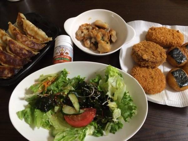 ギョーザと揚げ物3種とチョレギサラダとメタバリアスリム