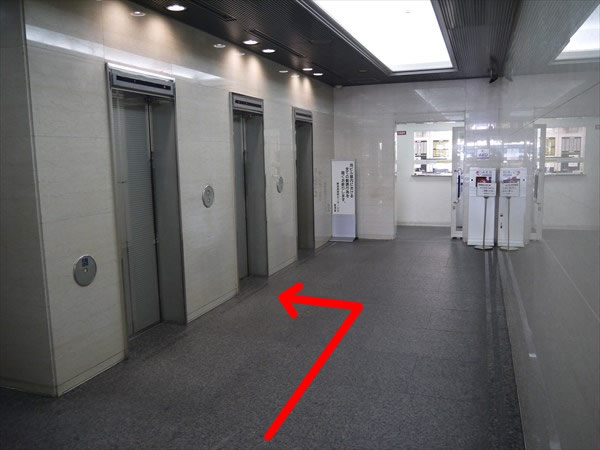 難波御堂筋センタービルのエレベーターホール