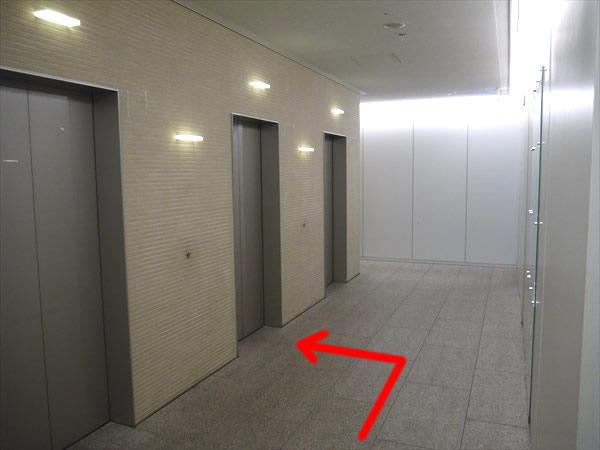岸本ビルエレベーターホール
