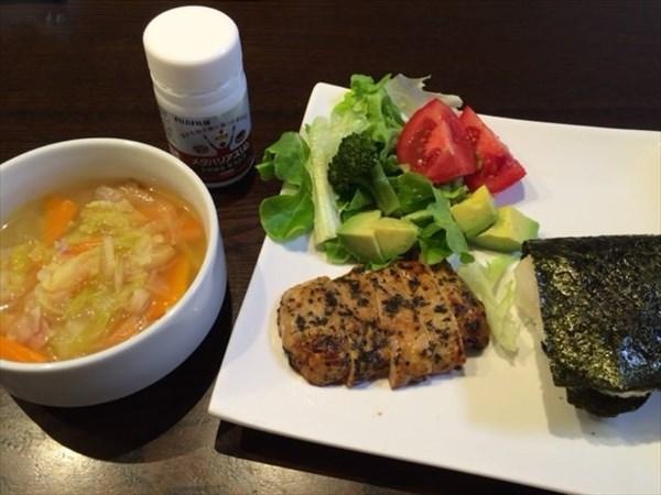 ハーブチキンと野菜スープとメタバリアスリム