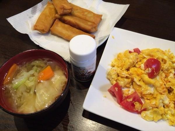 揚げ春巻きと卵とトマトの炒め物とメタバリアスリム