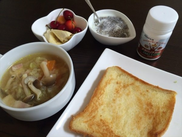 朝食みたいなランチのトーストやスープ・フルーツ