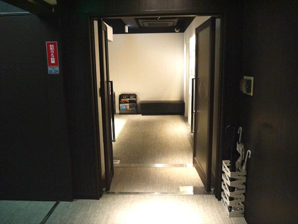 ライザップ堺東店の入り口