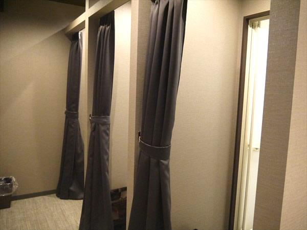 シャワールームと脱衣所