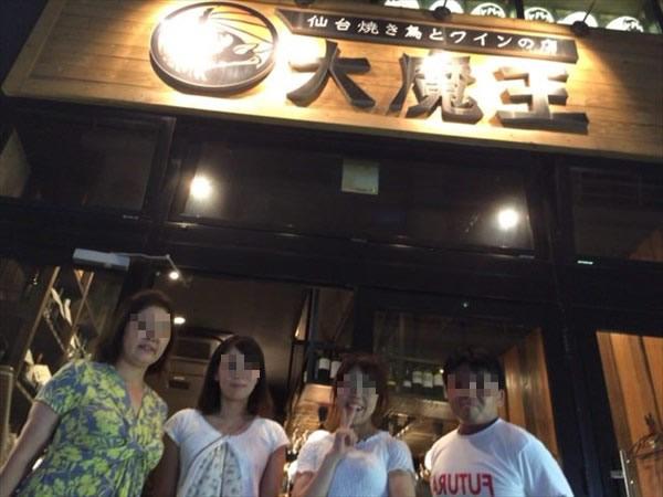 お店の前で竹俣さんと記念撮影