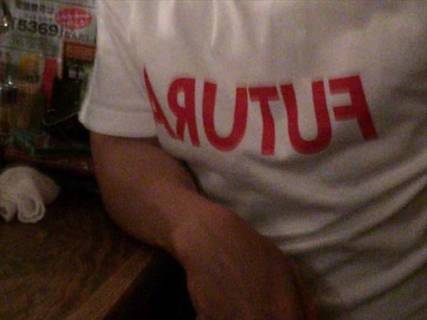 やっぱりこのTシャツは裏表逆?