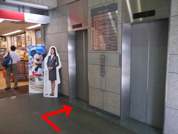 ビルのエレベーター
