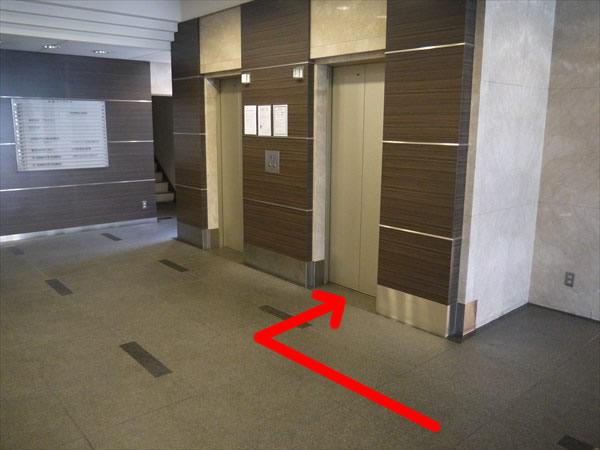 小倉パークビルのエレベーターホール
