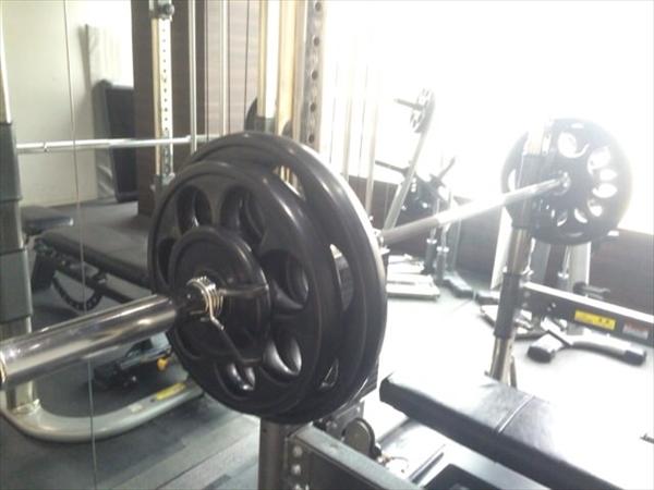 95kgにセットされたバーベル