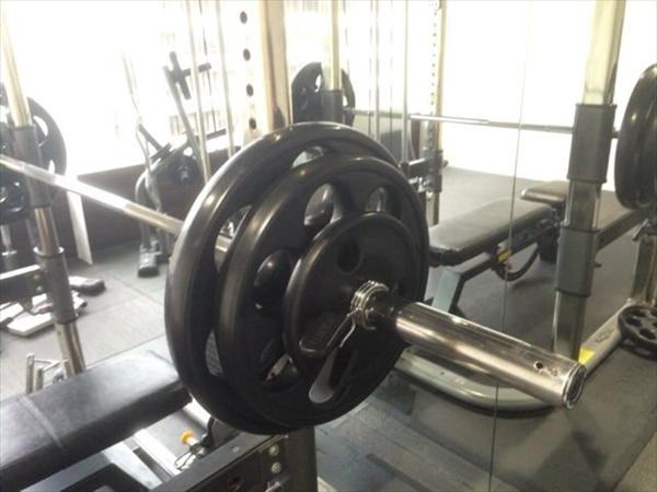 ベンチプレス100kgのバーベル