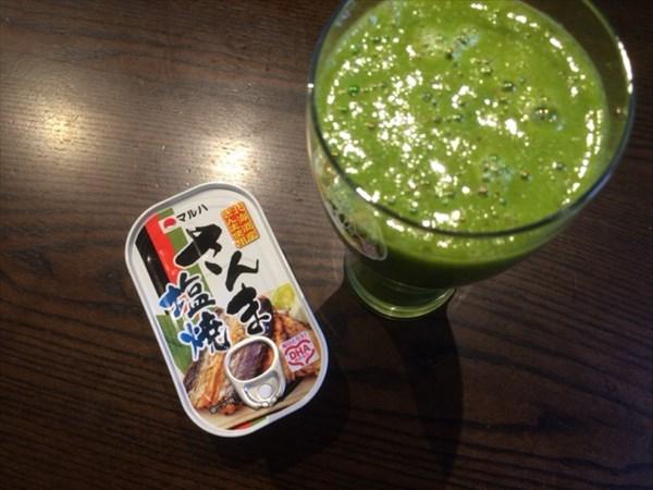 6/13の朝食(さんまの塩焼)とチアシードなし自家製グリーンスムージー