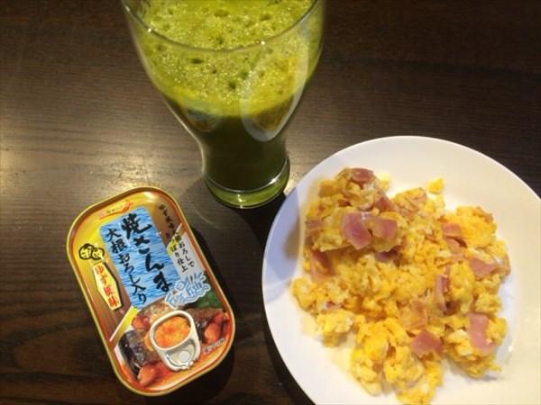 6/29に食べた焼さんまの缶詰とチアシードなし自家製グリーンスムージー