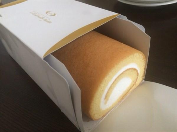 食後のデザートで食べたライザップのロールケーキ