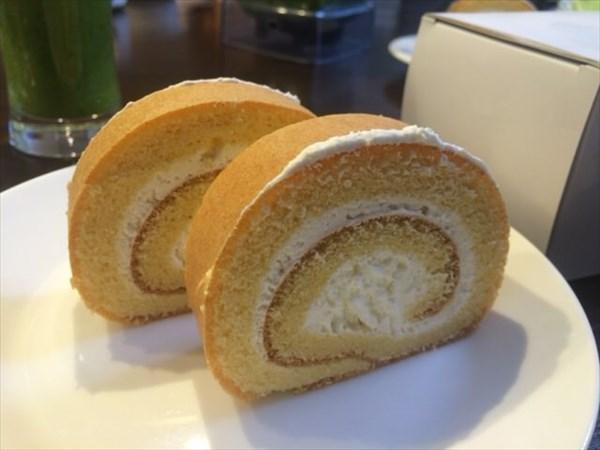 7/9に食べたライザップのブランロールケーキ