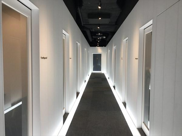 セッションルームに続く廊下の様子