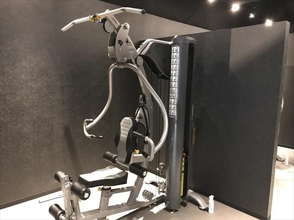 一人で筋トレできるトレーニングマシン