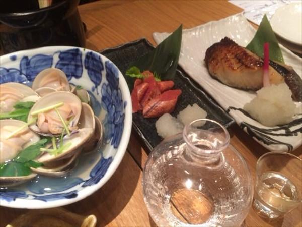 木曜日の夜は飲み会で日本酒を飲んだ