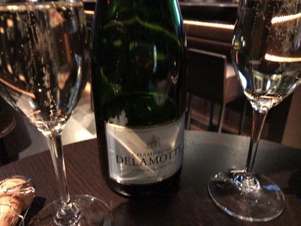 二次会で飲んだシャンパン「デゥラモット」
