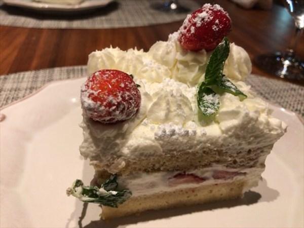 デザートのケーキ(カット)