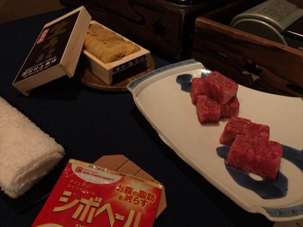 会食で食べた牛肉とウニとシボヘール