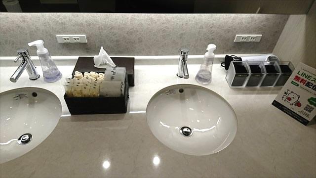 清潔感のあるライザップの洗面台